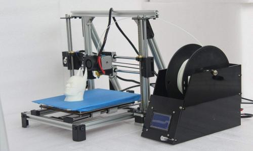 Fused Deposition Modeling (FDM) 3D Printer